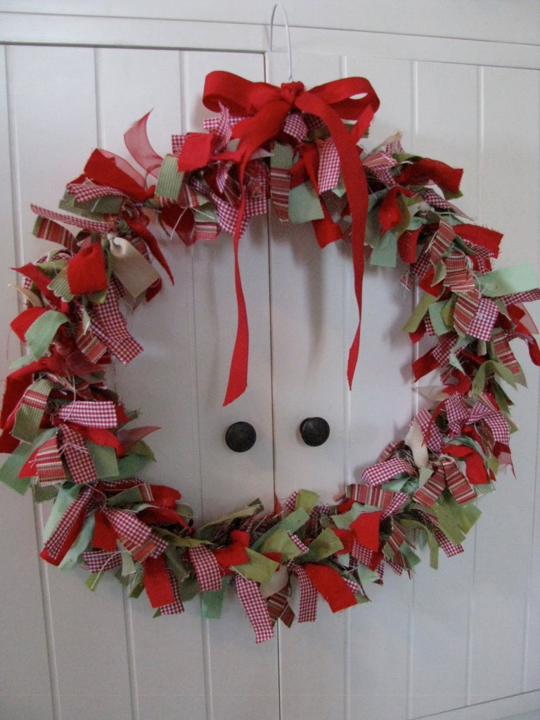 Make a christmas wreath b movie star Simple christmas wreaths